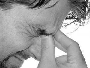 10 Причин головного болю в області чола - до якого лікаря звернутися?