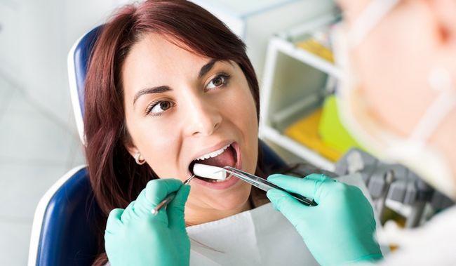 10 Причин появи тріщин в куточках рота