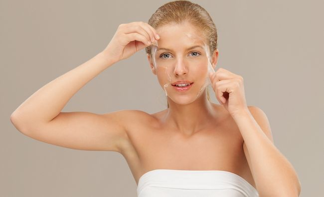 Чи допомагає пілінг прибрати пігментацію шкіри?