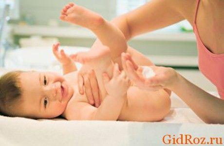 Ви, напевно, чули про тальку! Це відмінний засіб по боротьбі з попрілостями і висипаннями на шкірі крихітки!