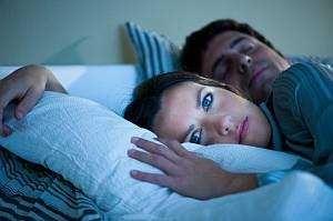 Як швидко заснути: що заважає людині міцно спати, методи боротьби з безсонням