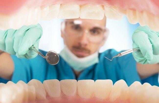 Наліт на зубах: косметичний недолік або загроза здоров`ю?