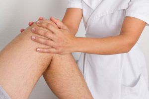 Особливості виконання масажу колінного суглоба