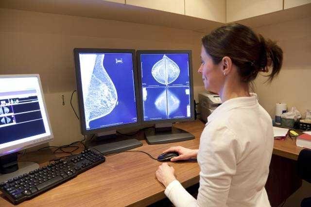 Перші ознаки раку грудей - самодіагностика