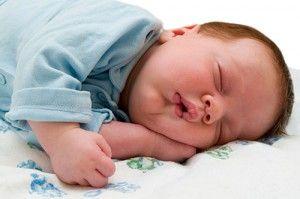 Чому виникає підвищена пітливість у дітей? Як позбутися від неї?