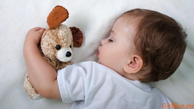 Підвищена пітливість голови у малюка - чи варто турбуватися?