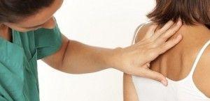 Причини появи жировика на спині і види лікування