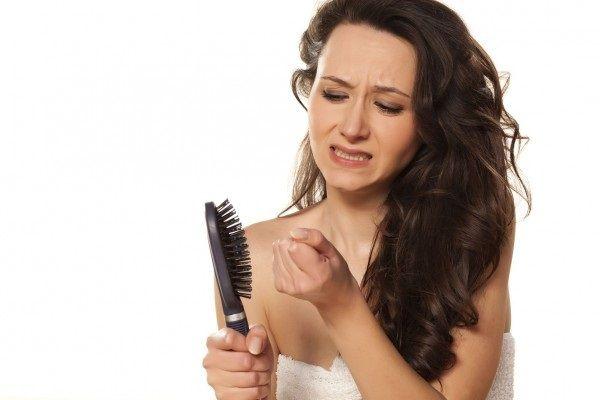 Випадає волосся після пологів - що робити?